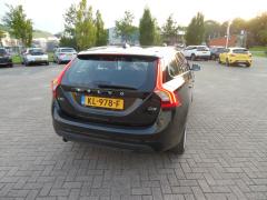 Volvo-V60-5