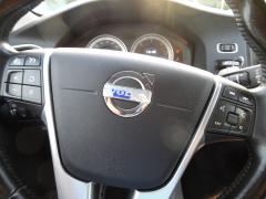 Volvo-V60-11